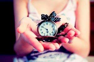 Дарить часы