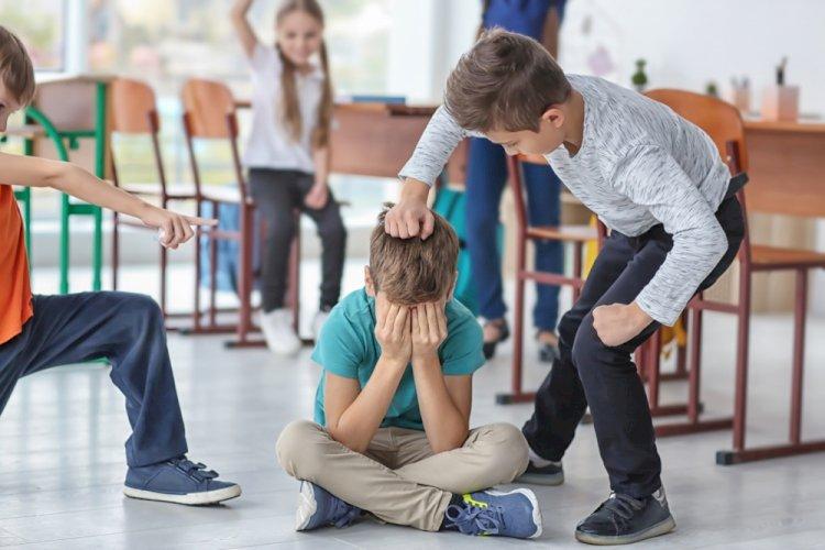 Почему школьники часто проявляют агрессию?